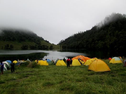 Cropped camping site ranu kumbolo3