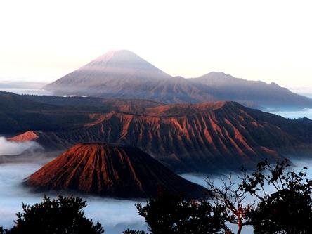 Thumb batok   bromo   semeru volcano